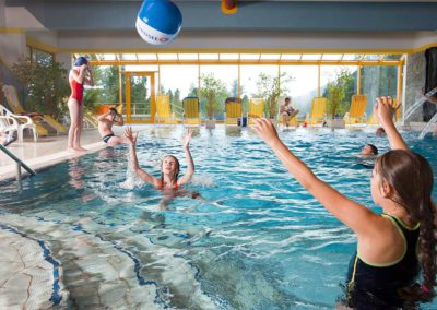 hotel-turrach-wellness-schwimmbad10