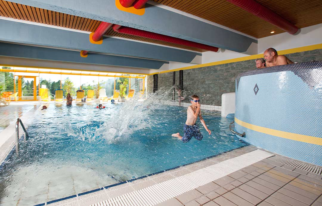 hotel-turrach-wellness-schwimmbad11